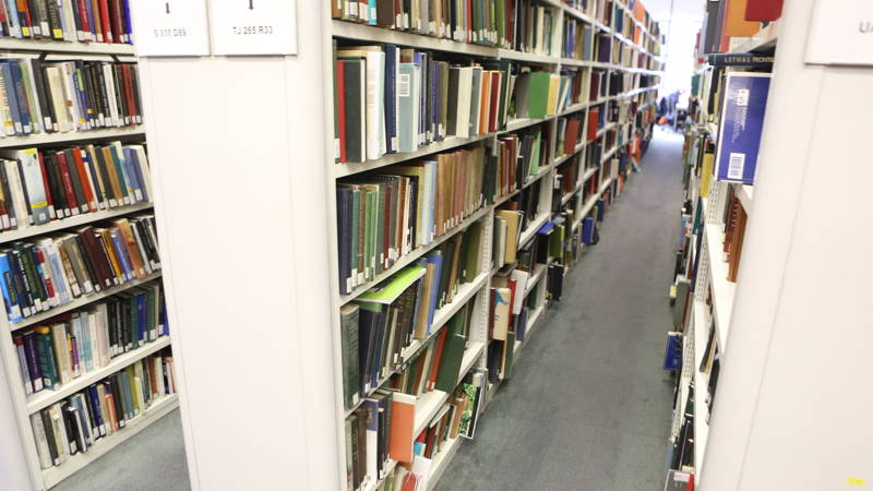 Book_Shelves_0258_800x450_16-9_sRGBe