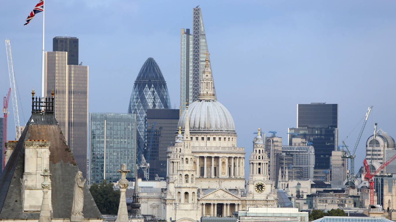 London_skyline_0167_1366x768_16-9_sRGBe
