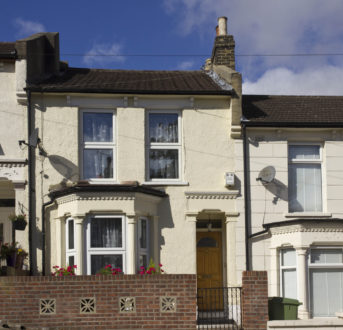 Heating homes: do energy saving measures reduce energy consumption in social housing?