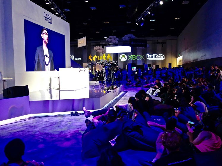 Twitch convention_2016 474x560