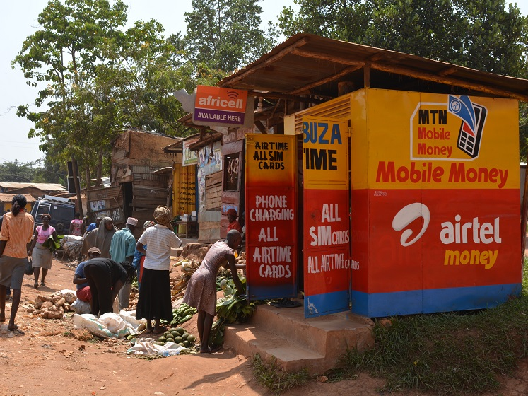 Ugandan mobile phone booth 747 560