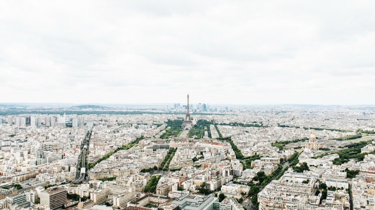Paris-aerial-photo 747x420