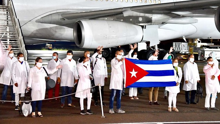 Cuban doctors 747x420