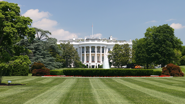 View of the White House from the South Lawn