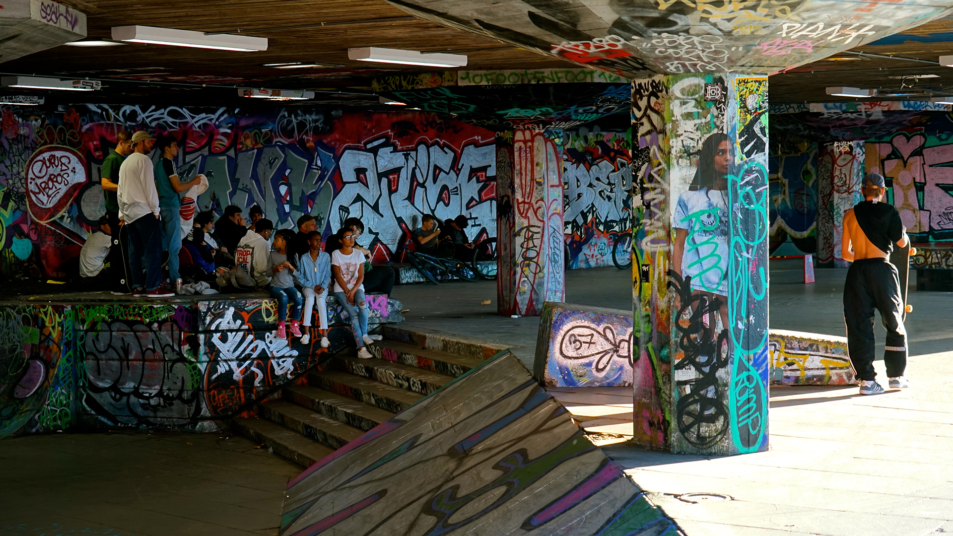 After its existence was threatened by a redevelopment project in 2014, 27,286 signatures were collected in support of the London Southbank skate park. Thanks to its activist advocates, the infamous skating-hotspot and place of vibrant cultural exchange wa