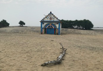 Photo (right): A deserted temple on the eastern Indian coast in the state of Odisha after villagers were relocated in 2016 due to impacts of coastal erosion over the last few decades. Photo: Architesh Panda