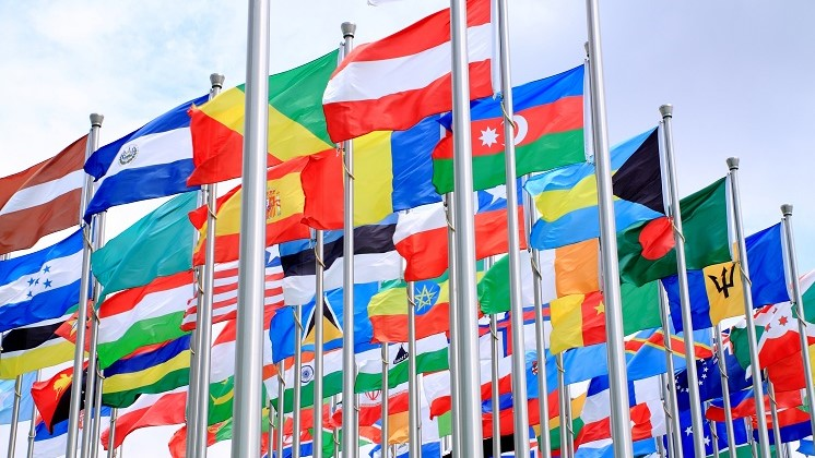 flags 747x420
