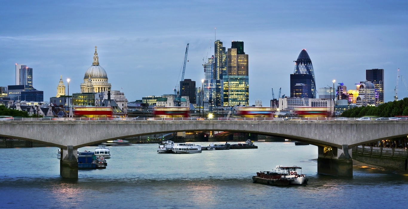 Waterloo_bridge_16-9_1366x768