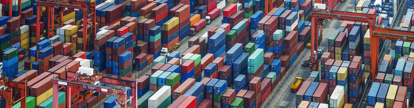 containers-and-port-1366x358