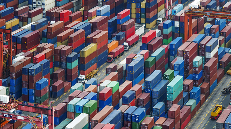 containers-and-port-747x420-16-9