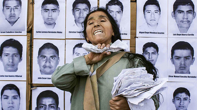 mexico_ayotzinapa_woman_43_photos_747x420