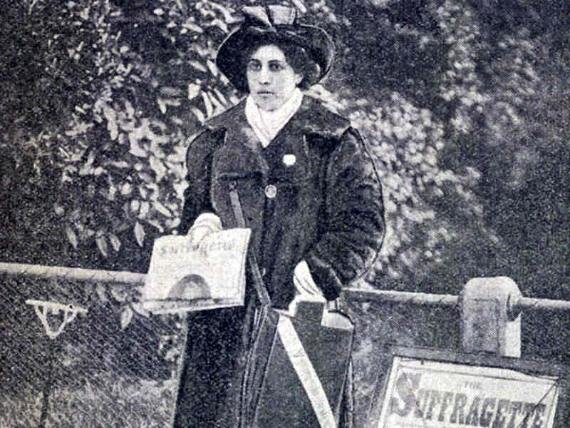 Princess Sophia Duleep Singh selling the Suffragette newspaper