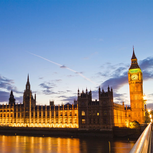 Image of the Houses of Parliament at dusk