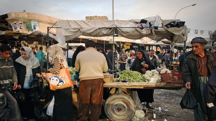 bazaar-iraq-rt-747-420