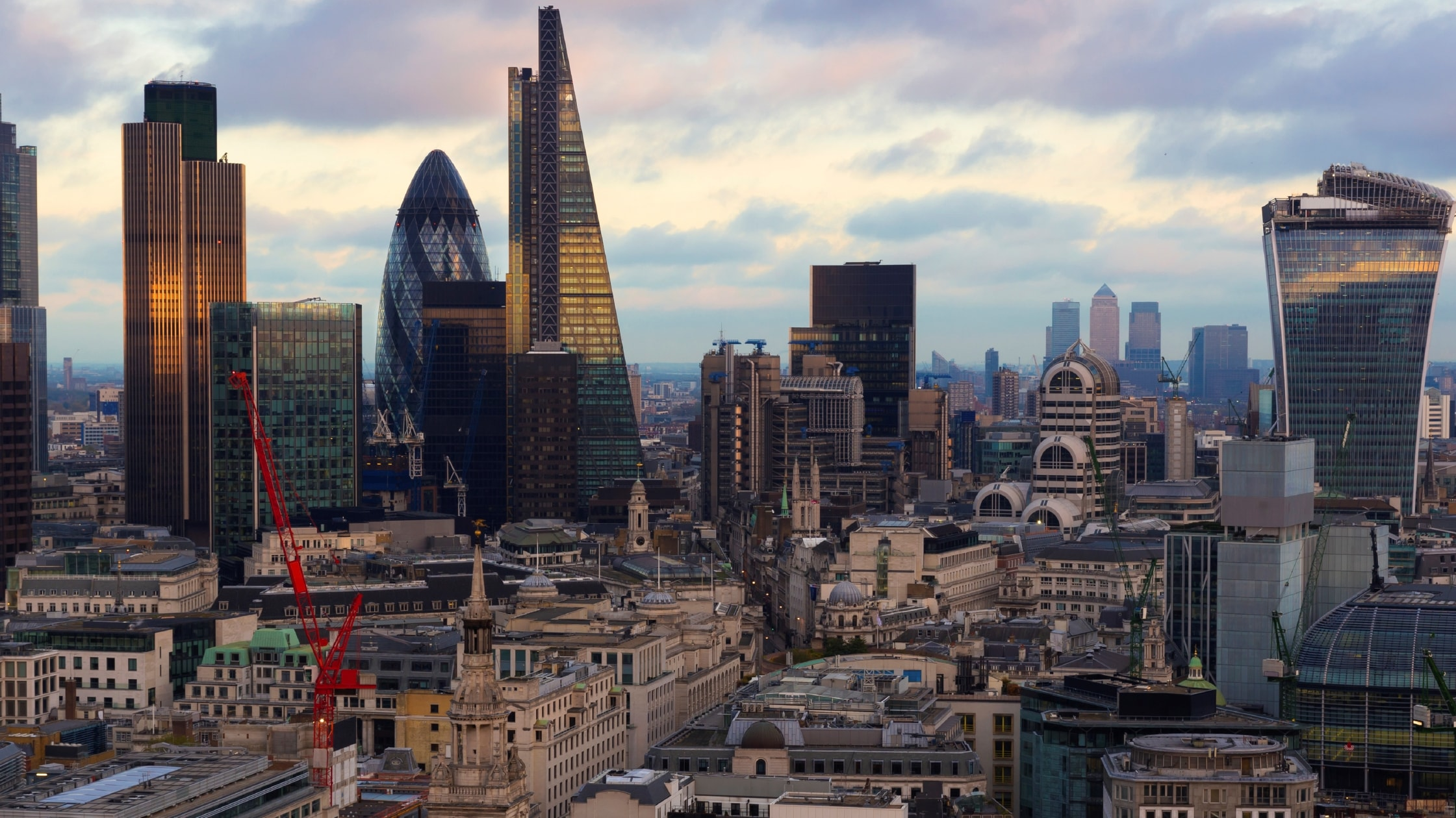 compressed-London-skyline-brochure-16.9-min