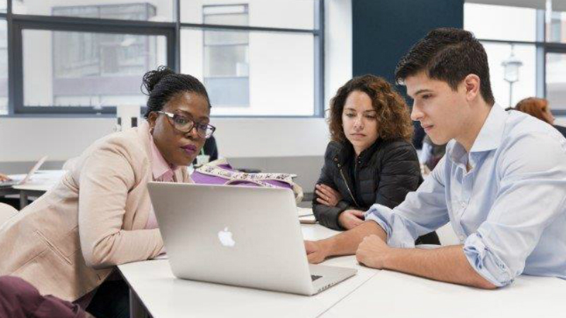 LSE Offers Scholarship for Female LLM Students in MENA Countries