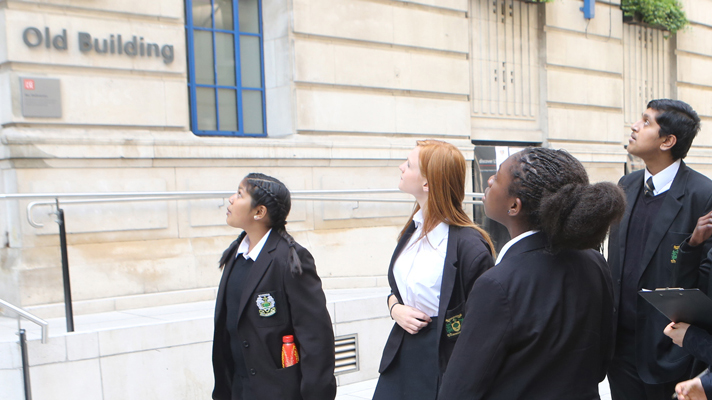 ACE students on a campus tour
